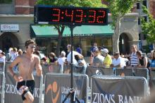 Boston finishing marathon